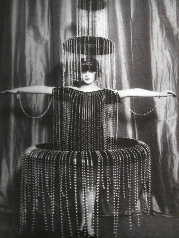 Luisa in her fountain dress, 1920 ca.